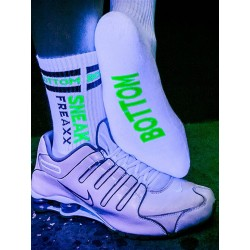 Sneak Freaxx Bottom Neon Socks White One Size calze sportive bianche con scritta 'Bottom' in neongreen